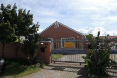 Zeekoevlei 3 bed Guest House For Sale R 1,295,000