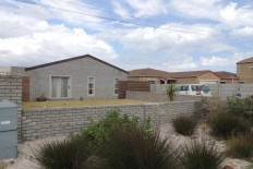 "For Sale! Zeekoevlei – ""Waters Edge"" R1,450,000"