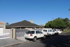 Zeekoevlei 4 bedroom house R 1,195,000