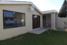 3 bedroom house for sale zeekoevlei R1,599,000