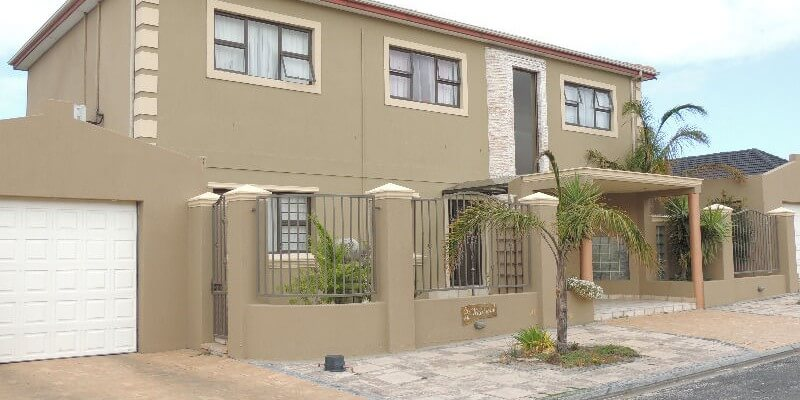 Grassy Park 5 bedroom Executive Double Storey R 1,950,000